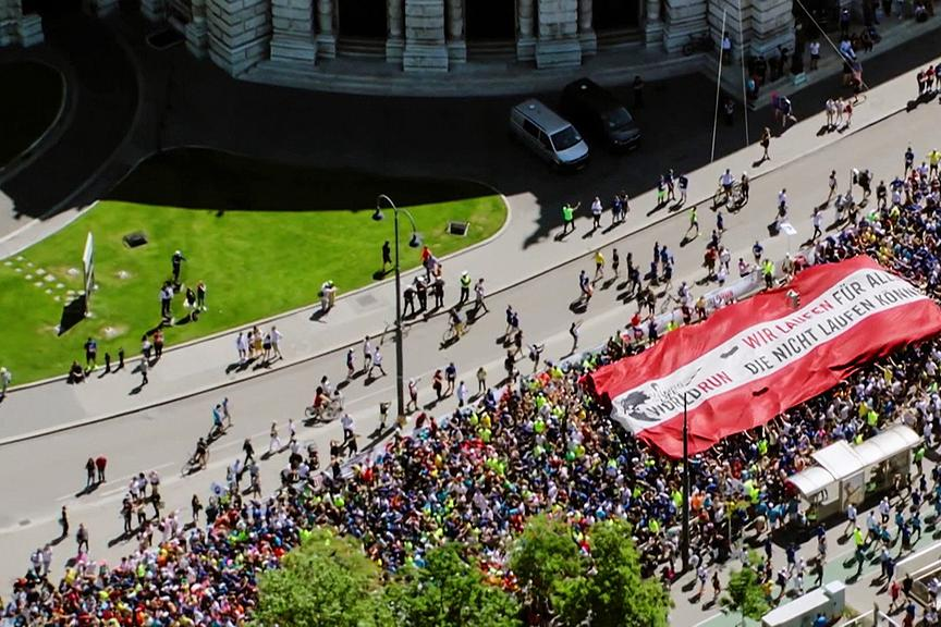 Laufende Teilnehmer des Wings for Life World Run in Wien